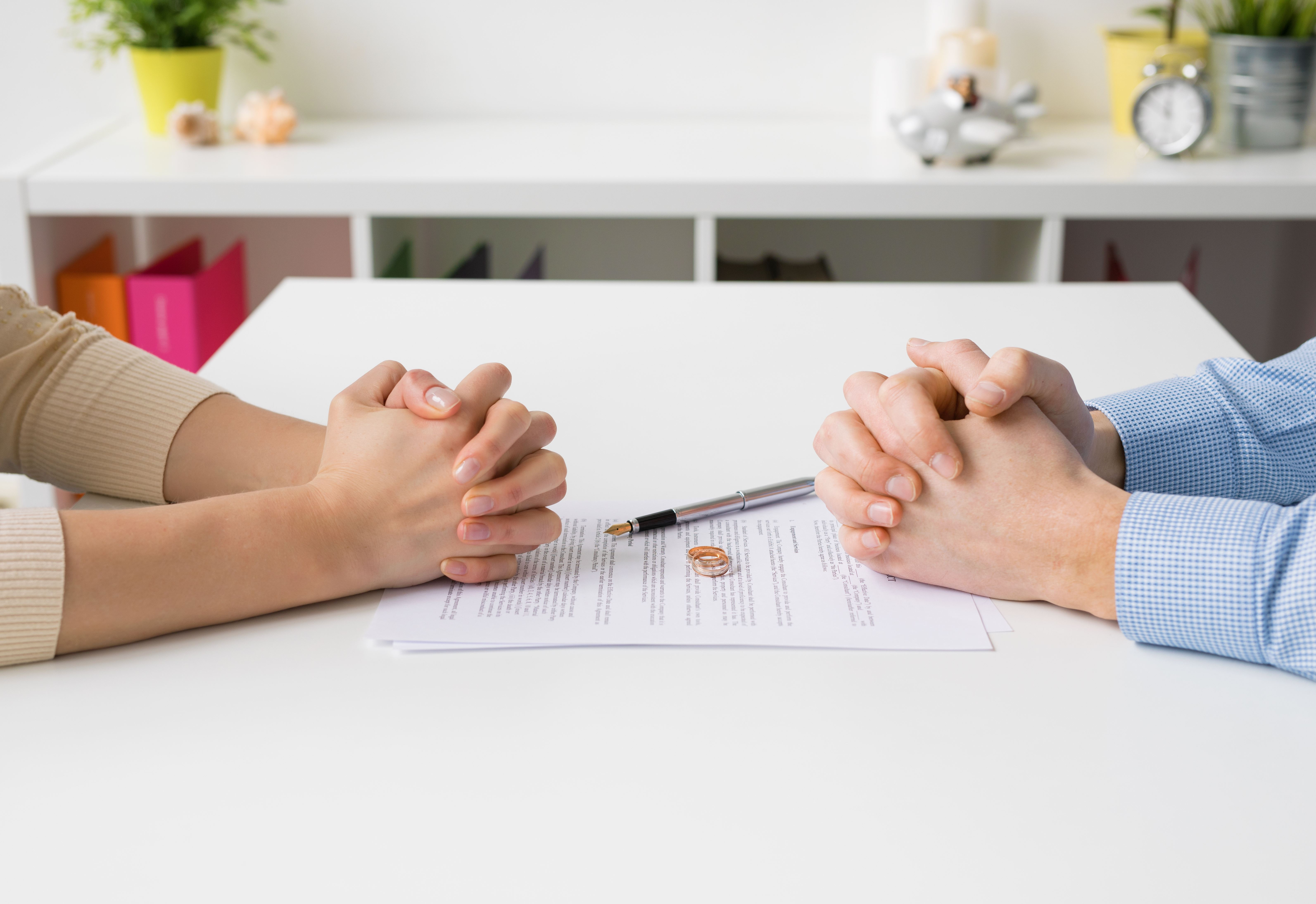 Divorce papers - grounds for divorce in Colorado